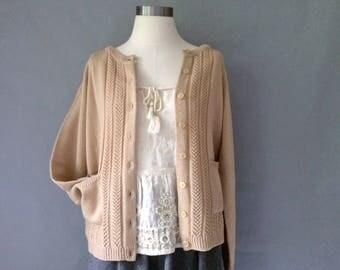 Vintage tan/camel color raglan sleeve hollow cardigan/sweater size S/M