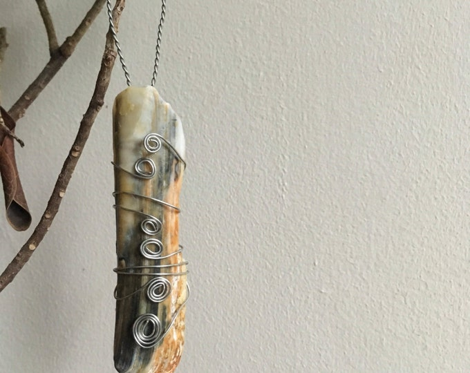 Sword Razor Fish Shell Pendant