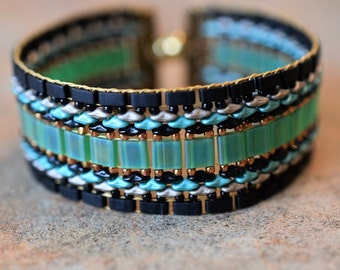 Pompeii Mosaic Style, Seed Bead Bracelet, Hand Made, Magnetic Clasp
