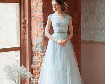 Glenny / Aquamarine wedding dress / Embroidered shoulders / Boneless / Open back / Blue