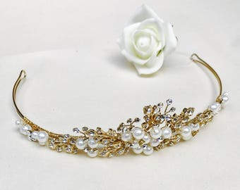 pearl tiara, wedding tiara, wedding hair accessories, bridal tiara, wedding ideas, gold tiara,