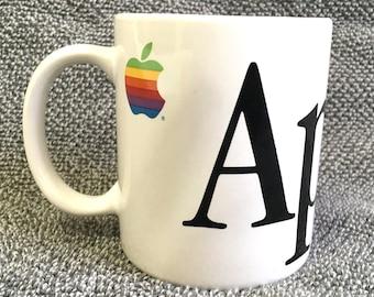 1980'S Vintage APPLE Macintosh Mac Computer Rainbow Logo Coffee Tea Mug Cup
