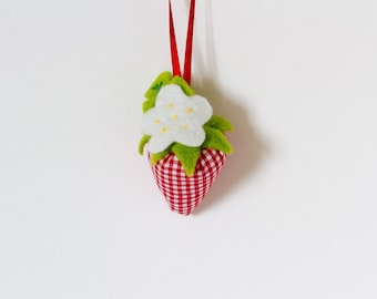 Set of 5 Small Strawberry Handmade Fabric Hanging Decoration, Fabric Strawberry Decoration, Fabric Gift Wrapping Decoration