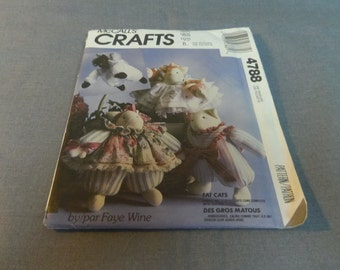 Craft Pattern, Stuffed Decorative Fat Cats with Clothes, Uncut, McCallès Crafts 4788 by Faye Wine