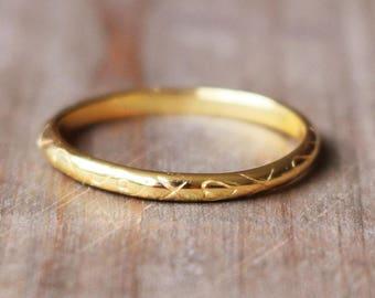 Ring Beth Gold