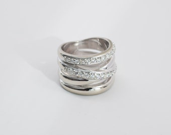 14K White Gold Modern Asymmetrical Layered Diamond Ring app.1 ct. tw., size 5
