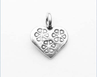 HP012 ~ Stamped Heart Charm