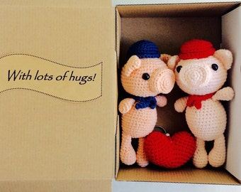 Pair of Crochet Pig, Crochet Pig Toy, Wedding Gift Box, Happy Valentine Gift Box, Wedding Decoration, Pig Key rings, Handmade Amigurumi Pig