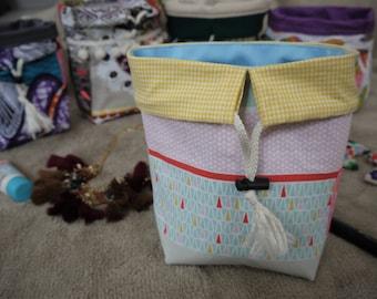 Basket/purse reversible bi material Scandinavian style