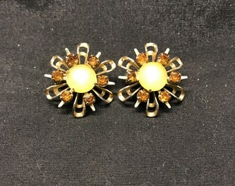 Vintage Gold Tone With Stones Lapel Pins