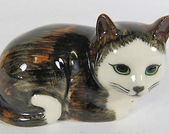 Vintage Quail Pottery Cat Figurine