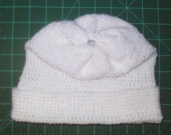 White detailed slack hat