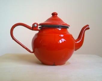 Vintage Red Enamel Teapot Red Enamelware Small Red Retro Kitchen Decor 0,5 l red teapot