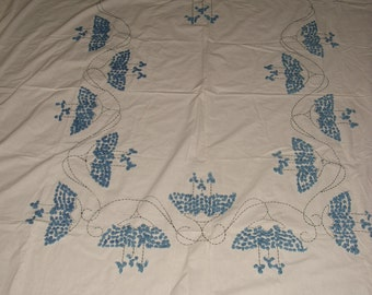 17A)  Large Tablecloth.   Blue Design