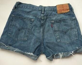 High waisted folded Levi shorts
