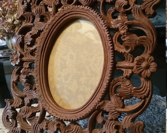Vintage Wooden Hand Carved Picture Frame.