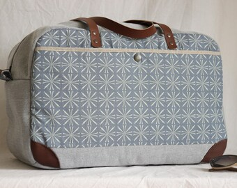 Travel bag, Weekender, grey, leather handle, graphic