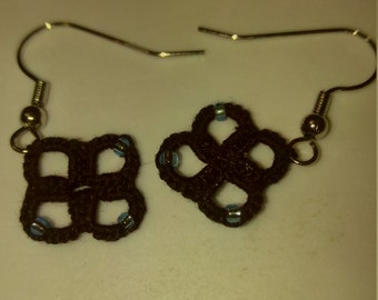 Hand tatted black with green beads earrings copper free