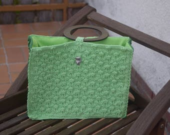 Crochet green handbag with small metal owl, lined with pure cotton and round wooden handles