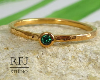 Hammered Lab Emerald Rose Gold Ring, May Birthstone Green Cubic Zirconia 2 mm 14K Rose Gold Plated Ring, Stacking Rose Gold Emerald May Ring
