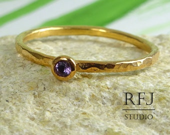 Rose Gold Natural Amethyst Hammered Ring, 2 mm Round Cut Purple Gemstone 14K Rose Gold Plated Ring, Stackable February Birthstone Gold Ring