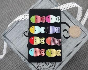10 x  Cute Bright Coloured Check Wooden Fish Button