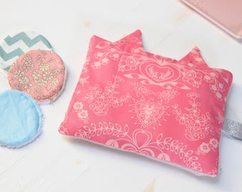 Heating pad in cherry pits cat fuchsia pink and light pink for kids