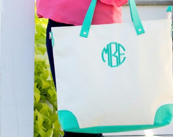 SALE!!! Sullivan Collection, Mint Sullivan Shoulder Bag, Teacher Bag, Monogrammed Bag, Embroidered Bag, Personalized Bag