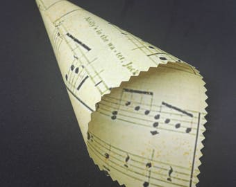 20 Confetti Cones with Music Score Design