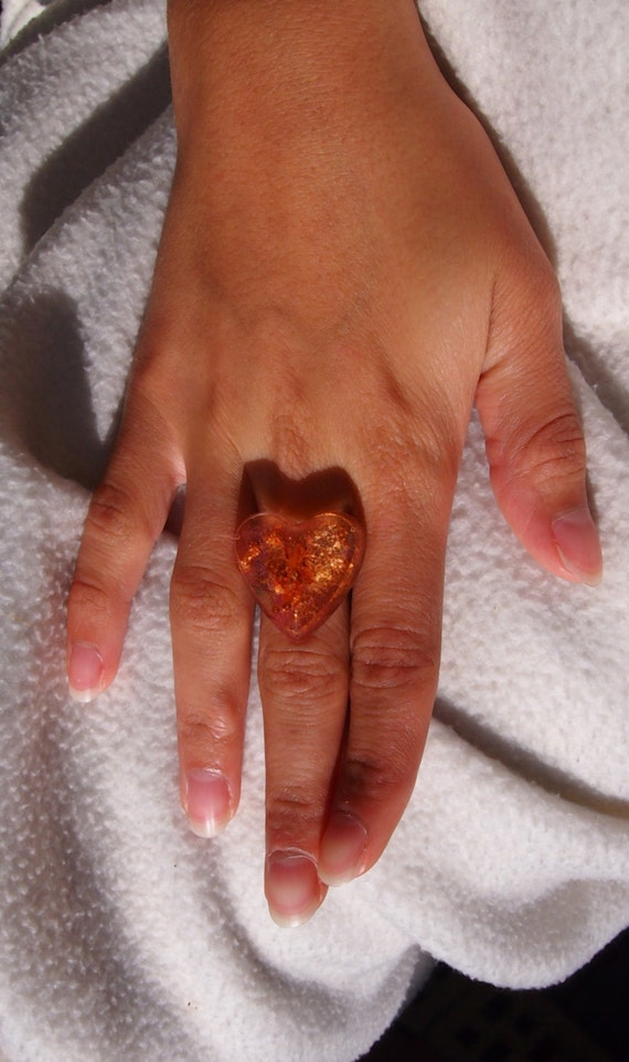 Inclusion of copper and aluminum wire heart ring