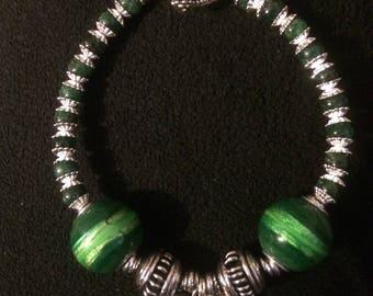 Green beaded harmony bracelet w/ heart charm & heart toggle