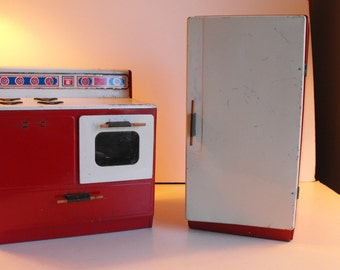 Gabriel Metal Toy Stove and Refrigerator 1970 Red   (754)