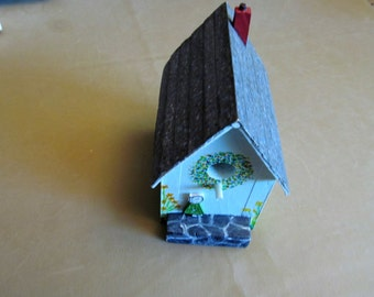 Small Bird House - handcarved and handpainted