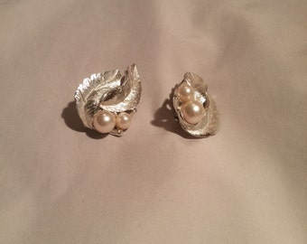 Sarah Coventry Vintage Earrings FREE SHIPPING