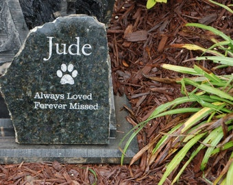 Granite pet memorial grave marker, personalized engraved inscription
