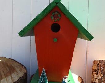 Christmas cedar Bird House,  Cedar rustic Bird House, Rustic green and red Bird House,  Christmas wren birdhouse.