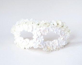 White Flowers Masquerade Mask, Flower Mask, Women Mascarade Mask, Mardi Gras Mask, Bridal Mask, Women's Masquerade - The Leila