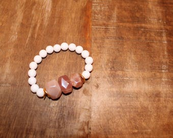 Abstract Pink and White Beaded Stretch Bracelet