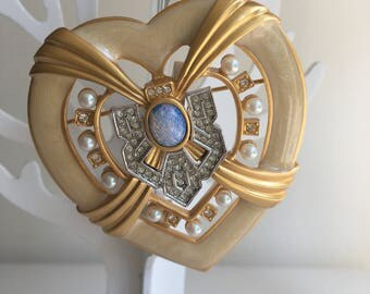 "Elisabeth Taylor for Avon  brooch ""Heart of Hollywood"""