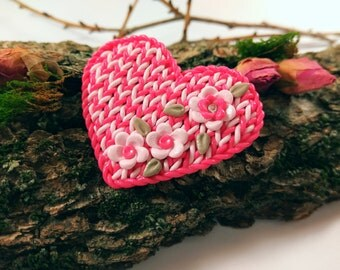 Love mother day gift for mom Wife gift Heart jewelry gift Knitted heart Romantic gift Love jewelry Pink jewelry Polymer pins and brooches