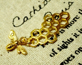 Honeycomb bee 3 gold charm jewellery supplies C37