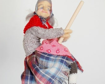 Kitchen Witch,  ,Norwegian Kitchen Witch , Needle Felted ,Scandinavian Easter , Good Witch, Housewarming gift , Kitchen Decor