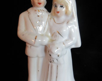 bride and groom cake topper, 50's vintage, glossy china, midcentury, collectible, durable, wedding , anniversary, white and gold