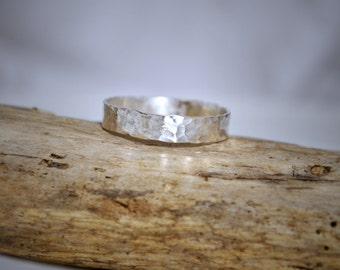 Sterling Silver Band Hammered Spoon Ring Item # SSHSR1