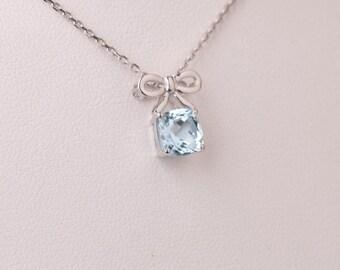 Lovely aquamarine pendant in 18k white gold, bow and aquamarine necklace, bow pendant