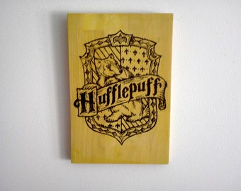 Hufflepuff Crest Wood Sign. Harry Potter Decoration. Wood Wall Art Gift for Harry Potter fans. Yellow Wall Art.