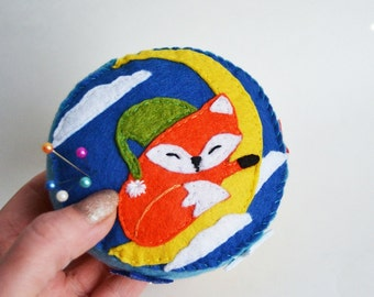pincushion felt pincushion fox Animal Pincushions needle bed