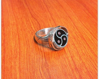 BDSM Triskele Transforming Ring, BDSM Symbol Signet Ring, Sterling Silver, Black Enamel, Three Red Garnets, Black Onyx