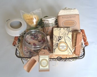 Vanilla and Rose Petal Bath Salts Luxury Spa Set // Spa Set // Spa Gift Set // Gifts For Her //