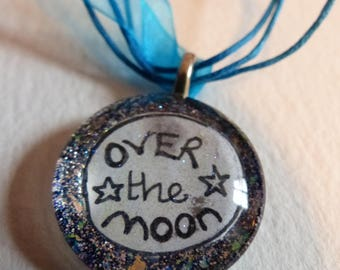 Glass Pendant 'Over the Moon'